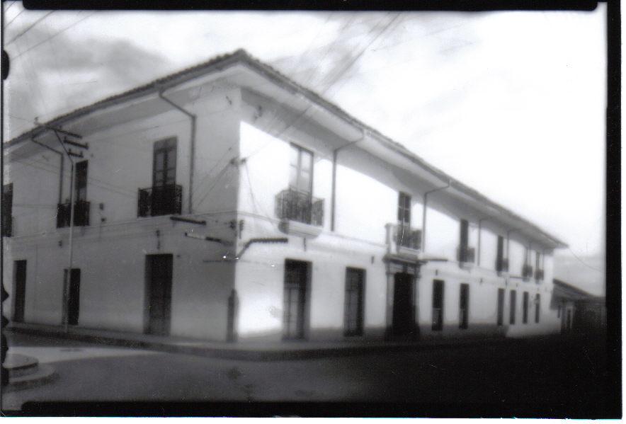 Colegio Champagnat - 2a. sede hasta 1964 - (fué tumbado para construir el Banco de la República).